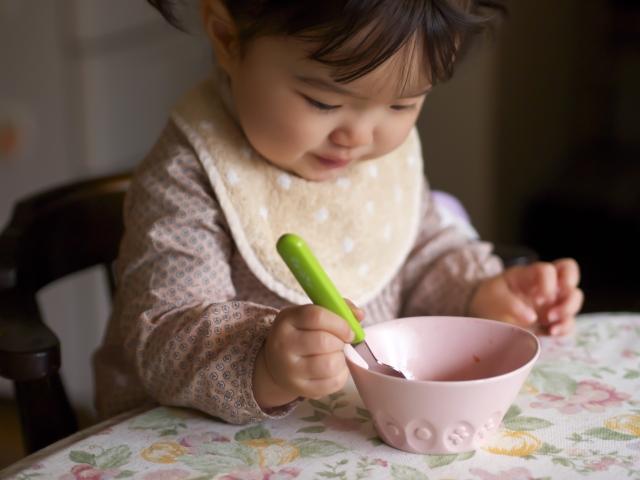 1歳児の食事にはしつけが必要?1歳児の食事のテーマとは?