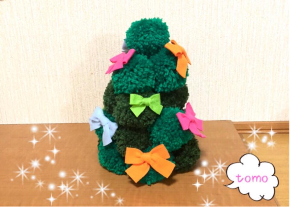 毛糸で作るあったかクリスマスツリー♪ポンポンメーカーで超簡単!!