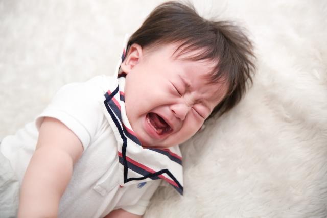 赤ちゃんの夜泣きの原因と対策を知って、つらい夜泣きを乗り切ろう!