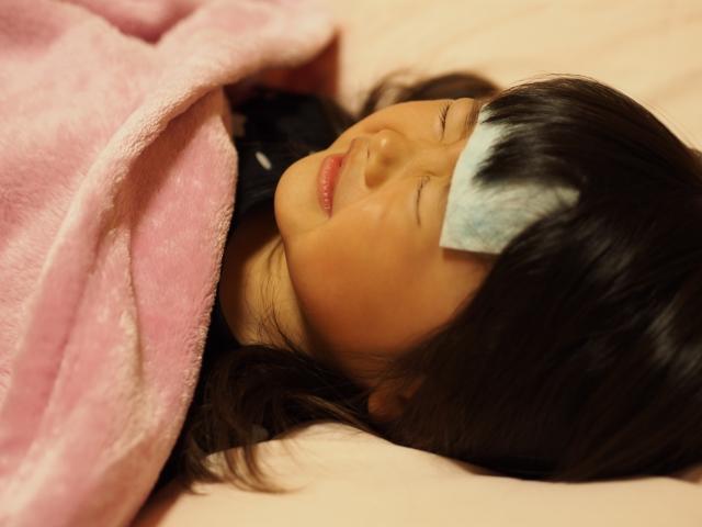 子供がインフルエンザに!症状や治療法、欠席の期間は?