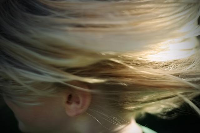 子供の抜け毛がひどい!ドライヤーはダメージを与える?使わない方がいいの?